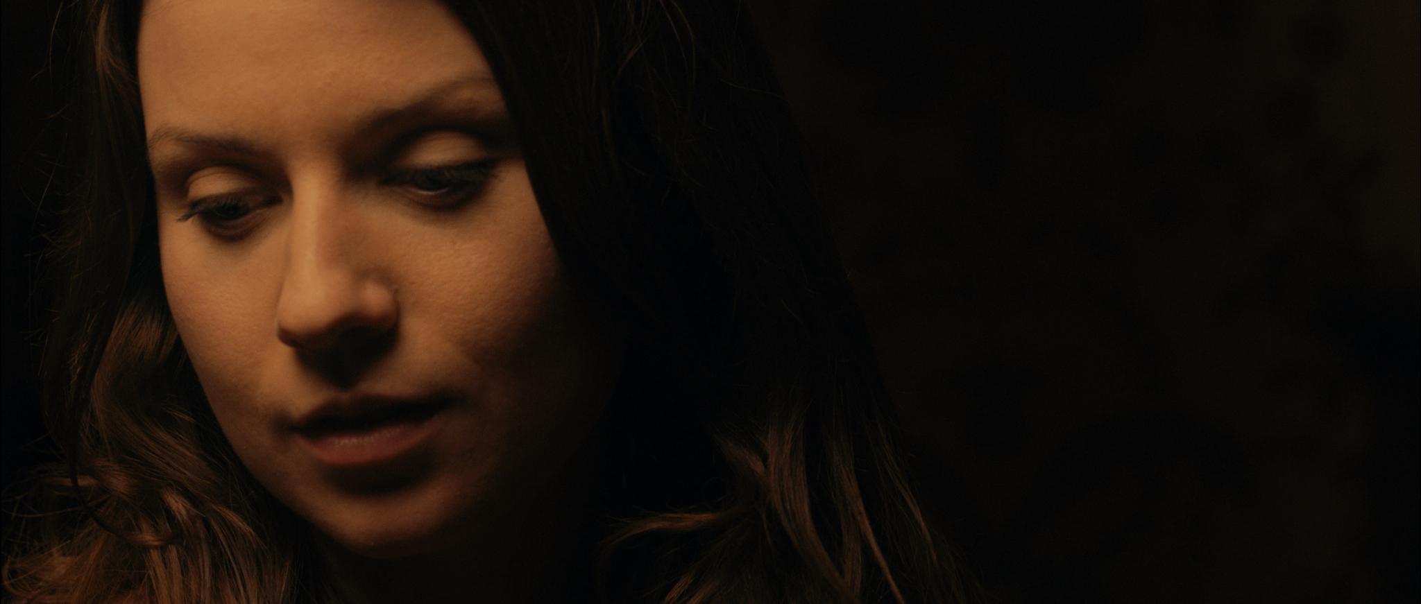 Siren promo still - Elizabeth 1
